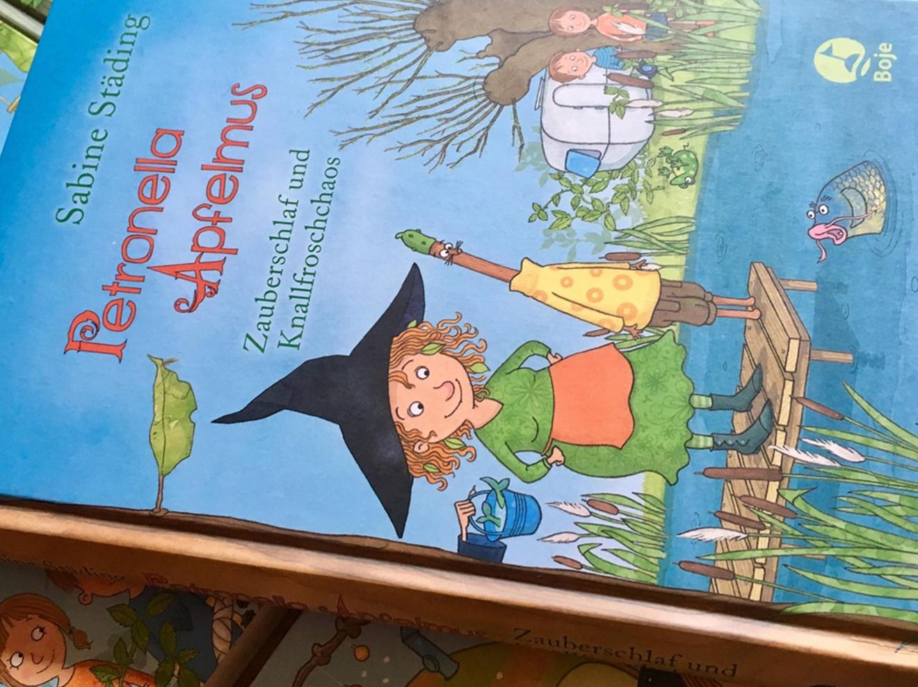 Petronella Apfelmus #2 - Zauberschlaf und Knallfroschchaos von Sabine Städing, Kinderbuch